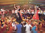 राधा-कृष्ण पर हुई फूलों की पंखुड़ियों की वर्षा, भजनों से जीवंत हुई ब्रज होली जयपुर,Jaipur - Dainik Bhaskar
