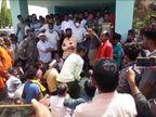 बिजली सुधारने 11 केवीकी लाइन पर चढ़ा, किसी ने चालू कर दी सप्लाई, करंट से मौत; लोगों ने किया प्रदर्शन|मध्य प्रदेश,Madhya Pradesh - Dainik Bhaskar