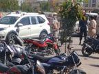धुलंडी पर शहर में पुलिस गश्त पर, SP भी शहर में सख्ती दिखा रही; शराब पी रहे लड़कों को पकड़ा|अलवर,Alwar - Dainik Bhaskar