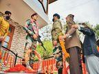 शहीद बेटे के नाम पर चौक का नाम रखने की मांग को लेकर एक साल तक प्रशासन के चक्कर लगाए|कुल्लू,Kullu - Dainik Bhaskar