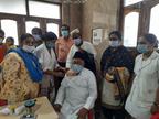 शेरानीपुरा जमातखाने में वैक्सीनेशन शिविर लगा, लोग टीके लगवाएं इसलिए मसजिद से अनाउंसमेंट भी|रतलाम,Ratlam - Dainik Bhaskar