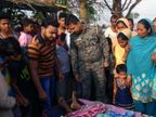 महुआ चुनने गई महिला को हाथी ने पटक कर मारा, लोगों ने की मुआवजे की मांग|झारखंड,Jharkhand - Dainik Bhaskar