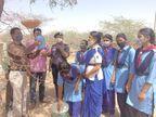 स्काउटगाइड ने परिंडे लगाकर की परिंदों के लिए पानी की व्यवस्था और दिया पर्यावरण सरंक्षण का संदेश नागौर,Nagaur - Dainik Bhaskar