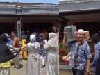 इंडोनेशिया में गूगल मैप द्वारा बताए पते को खोजते हुए गलत शादी वाले घर पहुंचा दूल्हा, बात समझ में आने पर दुल्हन के घर वालों ने सही वेन्यू तक पहुंचाया|लाइफस्टाइल,Lifestyle - Dainik Bhaskar