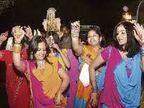 साहब! इतनी कम संख्या में तो घर के लोग ही नहीं शादी में शामिल हो सकेंगे, एसडीएम के सामने गिड़गिड़ाते रहेे लोग|मुरैना,Morena - Dainik Bhaskar