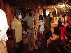 बालोद केबंदमेंट जोन में शादी समारोह में पहुंचे 20 से अधिक बाराती, प्रशासन ने दबिश देकर 5 हजार का लगाया नुकसान   बालोद, बालोद - दैनिक भास्कर