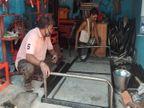 इंदौर में कुर्सी-सोफा छोड़ कर अस्पतालों के लिए 1 महीने से रोज बना रहे 100 लोहे के पलंग; फिर ऑर्डर नहीं कर पा रहे पूरा|मध्य प्रदेश,Madhya Pradesh - Dainik Bhaskar