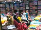 नगरपालिका के अमले ने दुकान की शटर खोली तो अंदर डेढ़ दर्जन ग्राहक बैठकर कर रहे थे खरीददारी|गुना,Guna - Dainik Bhaskar