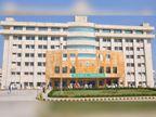 गोहाना में कोरोना मरीज से बदतमीजी करने पर खानपुर कलां BPS महिला मेडिकल कॉलेज का DMO सस्पेंड|हरियाणा,Haryana - Dainik Bhaskar