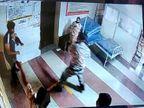 महाराष्ट्र के बीड में वैक्सीन लगवाने पहुंची भीड़, कंट्रोल करने पहुंचे पुलिसकर्मियों के साथ हुई मारपीट|महाराष्ट्र,Maharashtra - Dainik Bhaskar