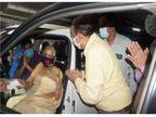 कार में बैठकर वैक्सीन लगवा सकेंगे सीनियर सिटीजन, पहले दिन 155 बुजुर्गों ने लगवाया टीका|भिलाई,Bhilai - Dainik Bhaskar