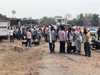 साप्ताहिक बाजार में उमड़ी भीड़, सोशल डिस्टेंसिंग की उड़ी धज्जियां; प्रशासन द्वारा सील की गई दुकानों के ताले भी खुले|झारखंड,Jharkhand - Dainik Bhaskar