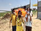 पिता की मौत के बाद अपनों ने नहीं दिया साथ तो बेटियों ने कंधा देकर दी मुखाग्नि, स्वयंसेवकों ने किया सहयोग|उत्तरप्रदेश,Uttar Pradesh - Dainik Bhaskar