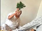 भोपाल से 20 KM दूर धड़ल्ले से चल रही जादू-टोने की दुकान; नीम की पत्ती खिलाकर बाबा बोला- लग गया इंजेक्शन|भोपाल,Bhopal - Dainik Bhaskar