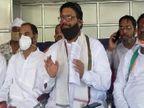पुलिस ने नहीं करने दिया वृक्षारोपण, घर में किया नजरबंद झांसी,Jhansi - Dainik Bhaskar