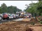 जाम में फंसी एम्बुलेंस, दोपहर 3 बजे शुरू हुआ आवागमन, वाहनों की लगी कतार|होशंगाबाद,Hoshangabad - Dainik Bhaskar