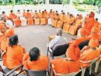 येदियुरप्पा लिंगायत समुदाय और मठ की शक्ति दिखा कुर्सी बचाना चाहते हैं देश,National - Money Bhaskar