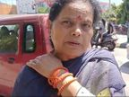 अमृतसर में बेटी से मिलकर लौटी थी महिला, फुटबॉल चौक पर आरोपियों ने जोर से कंधा दबाकर किया बेहोश; सोने की चूड़ियां निकाल चलती कार से फेंका जालंधर,Jalandhar - Money Bhaskar
