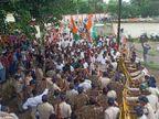 महंगाई को लेकर बैलगाड़ी पर पहुंचे मकरोनिया नगर पालिका, प्रदर्शन में पुलिस से धक्का-मुक्की, बैरिकेड्स उखाड़ने की कोशिश|सागर,Sagar - Money Bhaskar