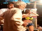 सीवान में JDU के पूर्व MLA श्यामबहादुर ऑर्केस्ट्रा में छोटे कपड़ों में नाच रही डांसर के साथ जमकर थिरके; बोले- ये तो कला है|सीवान,Siwan - Money Bhaskar