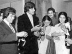 B\'Aniv: जाणून घ्या, राजेश खन्ना यांना का वाटायचा अमिताभ यांचा हेवा| - Divya Marathi