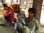 PHOTOS: महिलेचे तोडले पाय, 2000 ग्रामस्थांचा हल्ला, तिघांना जिवंत जाळण्याचा प्रयत्न| - Divya Marathi