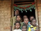 कधीकाळी आफ्रिकेतून भारतात आले होते हे निग्रो, आज जगतायत अशी LIFE|विदेश,International - Divya Marathi