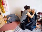 PHOTOS: पडद्यामागील इराणी महिला, छायाचित्रकाराने दाखवली त्यांची LIFE| - Divya Marathi