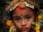 छायाचित्रांमधून पाहा, जगभरात अशा प्रकारे सुरु आहे मुलींवर अत्याचार|विदेश,International - Divya Marathi