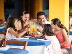 फॅमिलीसोबत बसून जेवण केल्याने होतात 5 मोठे फायदे...| - Divya Marathi