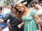 लंचसाठी रेस्तराँत गेली होती दिशा पाटणी, बाहेर येताच चाहत्यांनी घातला घेराव; टायगर श्रॉफने अशाप्रकारे काढले तेथून बाहेर| - Divya Marathi