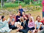पोलंडमधील एका गावात फक्त मुलीच जन्मतात... शेवटी एक मुलगा ९ वर्षांपूर्वी झाला होता, त्यानेही गाव सोडले; महापौरांची ऑफर- मुलास जन्म दिल्यास खास बक्षीस  - Divya Marathi