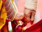 लग्नापूर्वी पित्याचा मृत्यू, त्यांची इच्छा पूर्ण करण्यासाठी मुलाने मृतदेहासमाेरच केले लग्न| - Divya Marathi