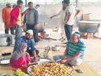 DvM Special : काेल्हापुरात ३५० मशिदीत ७ हजार पूरग्रस्तांच्या जेवणाची साेय;  साधेपणाने साजरी करणार ईद|कोल्हापूर,Kolhapur - Divya Marathi