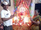 करमाळ्यात पंधरा वर्षांपासून मुस्लिम मित्राच्या हस्ते होते गणपतीची स्थापना; हिंदू-मुस्लीम भेदभावाला चपराक|सोलापूर,Solapur - Divya Marathi
