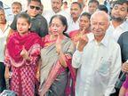 सुशीलकुमार शिंदेंच्या लोकप्रियतेला ओहोटी; सेनेच्या इच्छुक उमेदवाराला युती होण्याची चिंता  - Divya Marathi