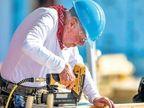 अमेरिकेचे माजी राष्ट्रपती जिमी कार्टर 95 व्या वर्षीदेखील करता काम, गरीबांसाठी बनवत आहेत घरं| - Divya Marathi