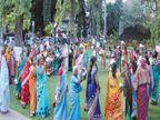 पाण्यासाठी महिलांनी रिकाम्या हंड्यांनी खेळला गरबा; पुणे महापालिकेचा नोंदवला निषेध|पुणे,Pune - Divya Marathi