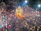 माता पार्वतीच्या रथावरील नगर परिक्रमेने नवरात्रोत्सवाचा समारोप, शोभायात्रेत एक लाख भाविक| - Divya Marathi