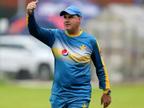પાકિસ્તાન ક્રિકેટ બોર્ડે મુખ્ય કોચ મિકી આર્થરને રજા આપી, તેમજ બેટિંગ અને બોલિંગ કોચને પણ હટાવવામાં આવ્યા  - Divya Bhaskar