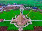 ખોડલધામ મંદિરને ફરતે જાણે હરિયાળીની રંગોળી, પ્રકૃતિનો આસ્વાદ કરવા સહેલાણીઓ ઊમટ્યાં| - Divya Bhaskar