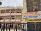 હિંમતનગરની ન્યૂ ઇંગ્લિશ હાઇસ્કૂલમાં છેડતી મામલે વાલીઓ- શિક્ષકો બાખડ્યા|હિંમતનગર,Himatnagar - Divya Bhaskar