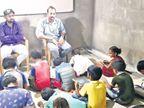 ચોટીલાનાં 60 જેટલા ગરીબ બાળકોને સ્વખર્ચે ભણાવવાનો 3 મિત્રોનો અનોખો પ્રયાસ|સુરેન્દ્રનગર,Surendranagar - Divya Bhaskar