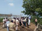 જુના દિવા ગામે ખેડૂતોએ હાઇવેની કામગીરી અટકાવી, ખેડૂતોને  2011 ની જંત્રી પ્રમાણે વળતર ચૂકવવા મુદ્દે આગામી દિવસો ગાંધી ચિંધ્યા માર્ગે આંદોલનના ભણકારા|અંકલેશ્વર,Ankleshwar - Divya Bhaskar