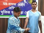 12 વર્ષ પછી ઘરે પરત ફરેલ નક્સલી ભાઈ પાસે બહેને ભેટમાં માંગ્યું આત્મસમર્પણ, ભાઈએ વાત માની પોલીસ સ્ટેશનમાં જ રાખડી બંધાવી|ઈન્ડિયા,National - Divya Bhaskar