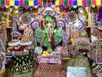 સુરત સ્વામિનારાયણ ગુરૂકુળમાં હરિભક્તોએ અધિક માસમાં પોતાની કળા પ્રભુના ચરણે ધરી|સુરત,Surat - Divya Bhaskar