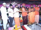 આઠમે ચોટીલા ડુંગરે નવચંડી યજ્ઞ, પાટડી શક્તિમાતા મંદિરે પાઠ કરાયાં ચોટીલા,Chotila - Divya Bhaskar