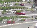 સુરતના વેસુમાં ફૂલ સ્પીડમાં દોડતી કાર રસ્તા પર પલટી મારી ગયાનો CCTV વાઈરલ|સુરત,Surat - Divya Bhaskar