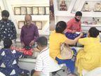 ધનતેરસ નિમિત્તે અમદાવાદીઓએ સવારથી સોના-ચાંદીની ખરીદી શરૂ કરી, સોના-ચાંદી મોંઘા હોવાથી ખરીદીમાં ઘટાડો થયો અમદાવાદ,Ahmedabad - Divya Bhaskar