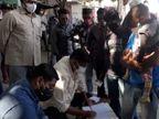 શાકભાજી વેચતા ફેરિયાઓમાં સુપરસ્પ્રેડ ન થાય તે માટે લક્ષ્મીનગર એરિયામાં, રેલવે સ્ટેશન, બસ સ્ટેશન અને એરપોર્ટ પર ચેકિંગ હાથ ધરાયું|રાજકોટ,Rajkot - Divya Bhaskar